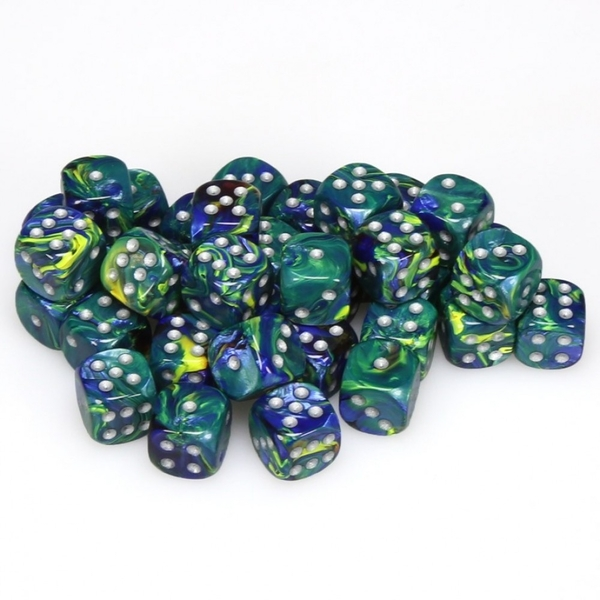 Chessex 12mm D6 Dice Block: Festive Green/silver