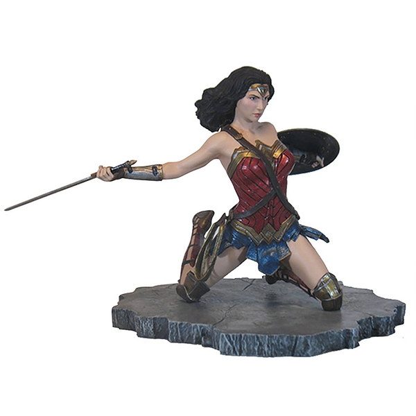 Wonder Woman (Justice League Movie) DC Gallery Diorama PVC Figure - Image 1