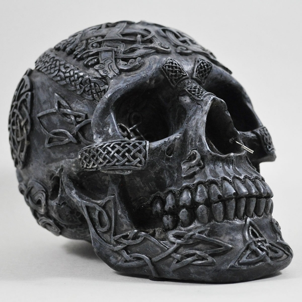 Celtic Black Skull 13cm
