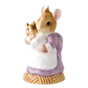Beatrix Potter Peter Rabbit Hunca Munca Holding Baby Classic Figure