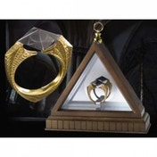 Ex-Display The Horcrux Ring (Harry Potter) by Noble Collection