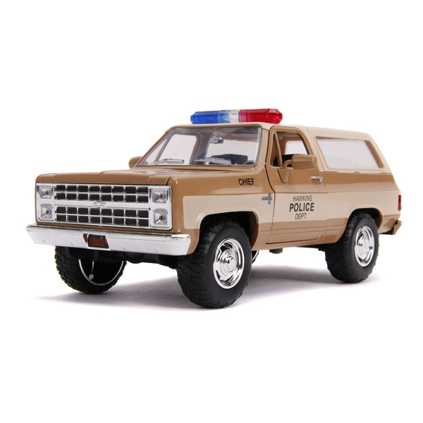 Stranger Things - Hollywood Rides Hopper's 1980 Chevy K5 Blazer Die-cast Toy SUV Jeep with Collectors Police Badge