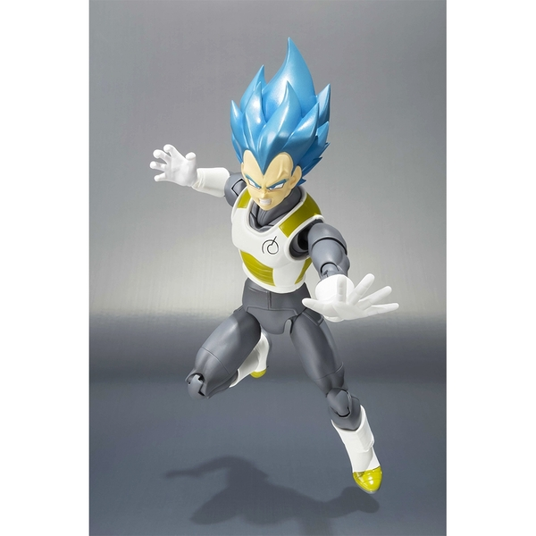 Bandai Tamashii Nations Dragon Ball Z Super Saiyan Vegeta Action Figures