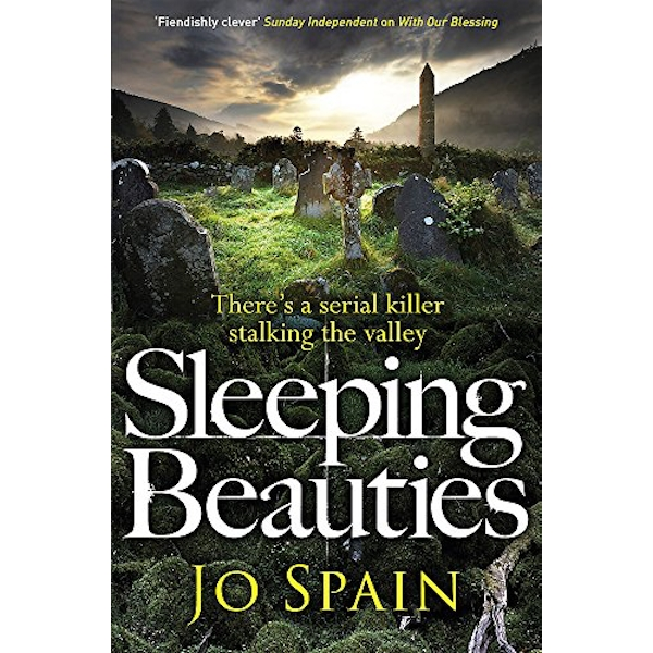 Sleeping Beauties (An Inspector Tom Reynolds Mystery Book 3) Paperback / softback 2018