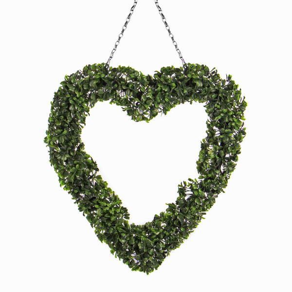 Topiary Heart Wreath | Pukkr - Image 1