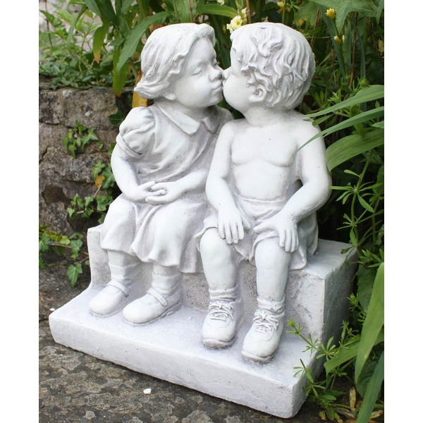 Stone Effect First Kiss Statue