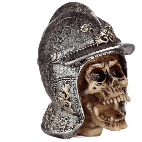 Gothic Skull in Medieval Helmet (Pack Of 4) Ornament