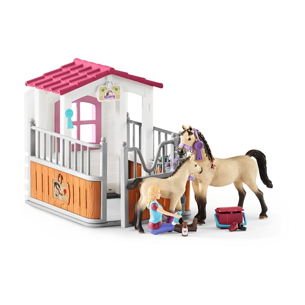 Schleich - Horse Club Horse Stall with Arab Horses and Groom