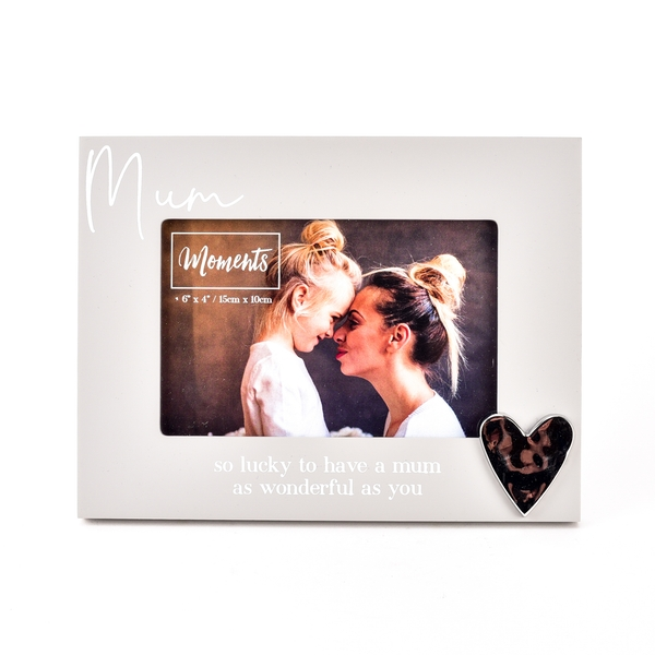 """Moments Wooden Photo Frame with Heart 6"""" x 4"""" - Mum"""