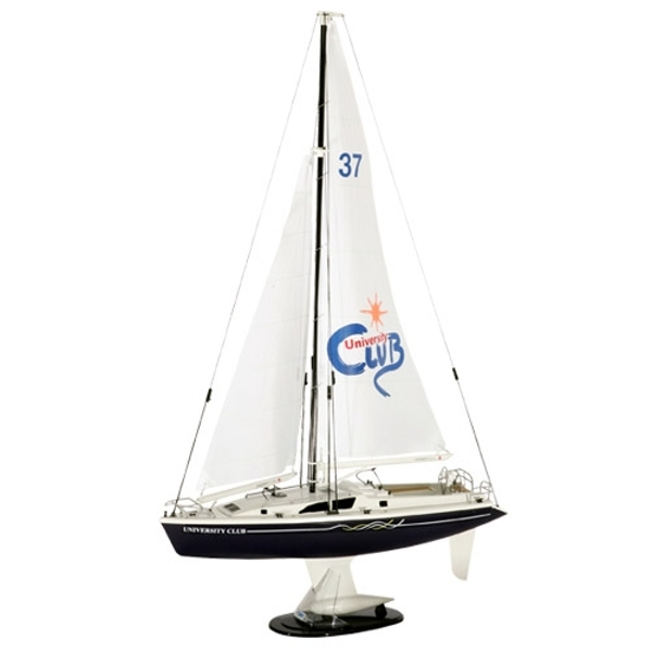 HOBBY ENGINE PREMIUM LABEL 2.4G UNIVERSITY CLUB YACHT