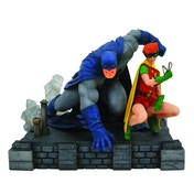 Dark Knight Returns Batman & Carrie (DC Gallery) PVC Figure