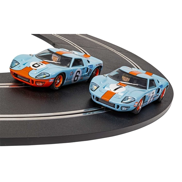 Ford GT40 1969 Gulf Twin Pack 1:32 Scalextric Car