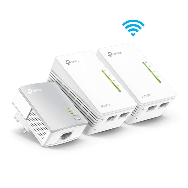 TP-LINK (TL-WPA4220T KIT) 300Mbps AV600 Wireless N Powerline Adapter Triple Kit UK Plug
