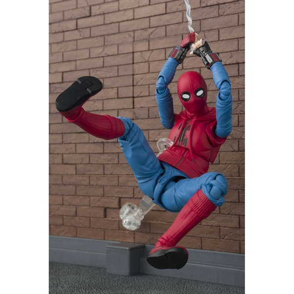 Spider-Man Home Suit and Wall SH Figuarts