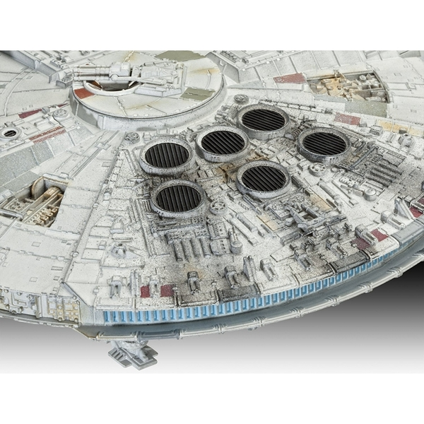 Limited Edition Millennium Falcon (Star Wars) 1:144 Scale Level 5 Revell Master Series - Image 4