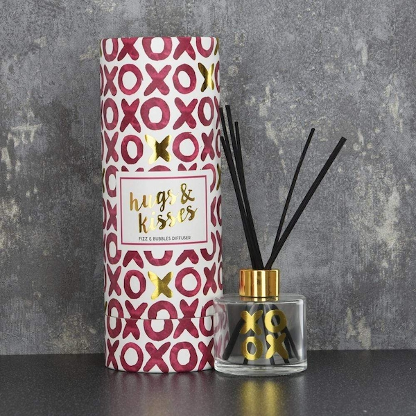 Hugs & Kisses Reed Diffuser in Gift Box Prosecco Scent
