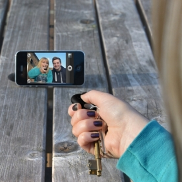 Thumbsup Selfie Phone Finder - nzgameshop com