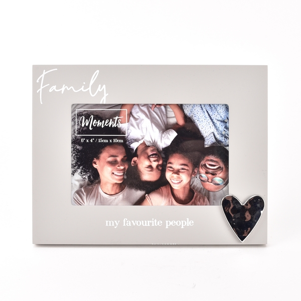 """Moments Wooden Photo Frame with Heart 6"""" x 4"""" - Family"""