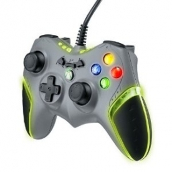 Ex-Display Officially Licensed Batman Batarang Wired Controller Xbox 360 Used - Like New - Image 3