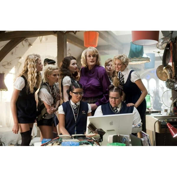 St Trinians 2 The Legend Of Frittons Gold Blu-Ray - Image 3