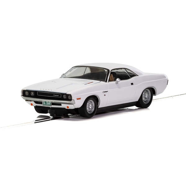 Dodge Challenger 1970 White 1:32 Scalextric Classic Street Car