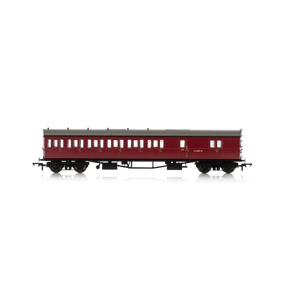 Hornby BR Collett 57' Bow Ended D98 Six Compartment Brake Third (Left Hand) W5507W Era 4 Model Train